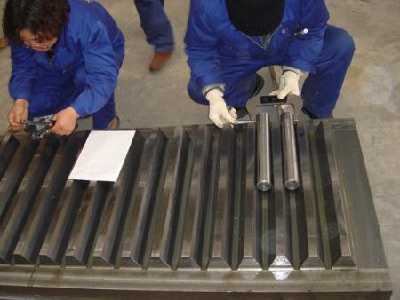 齿轮齿条传动施工升降机的超载检测保护装置