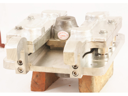 液壓式快換水口及配套機構