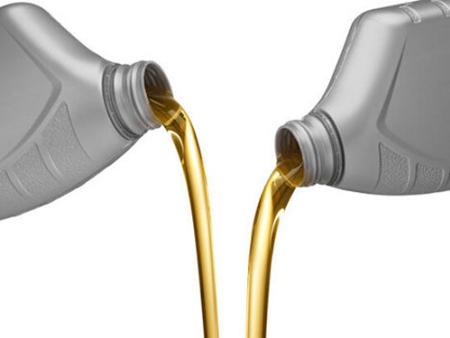 发动机润滑油变黑就换是浪费 好油更易变黑