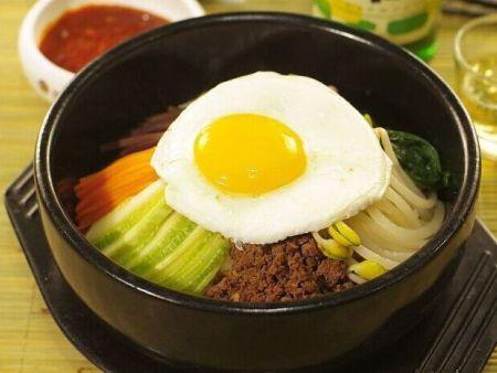 韩国石锅拌饭