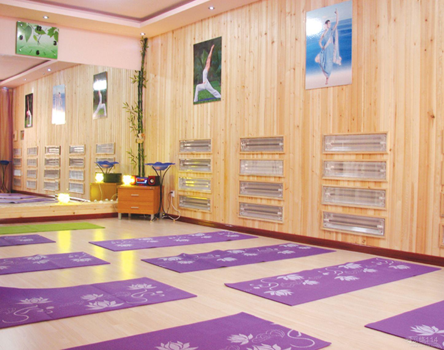 高温瑜伽房图片