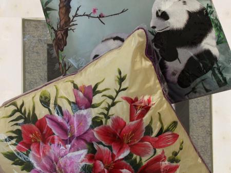 熊貓百合抱枕組