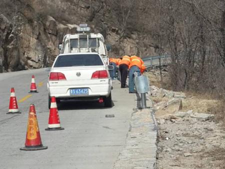 防撞护栏施工案例