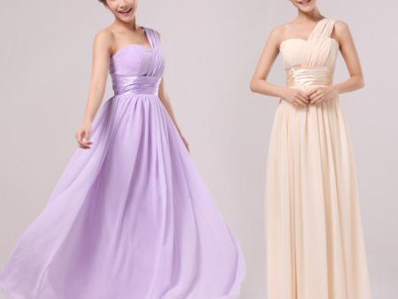 我们应该如何选择晚礼服?