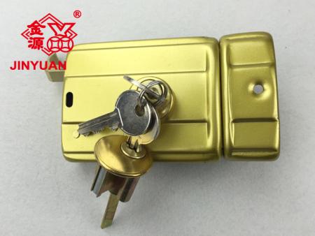556金色门锁