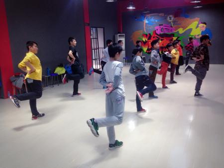 泰安PS街舞俱乐部2016年暑假班火热招生啦!!!!优惠多多!