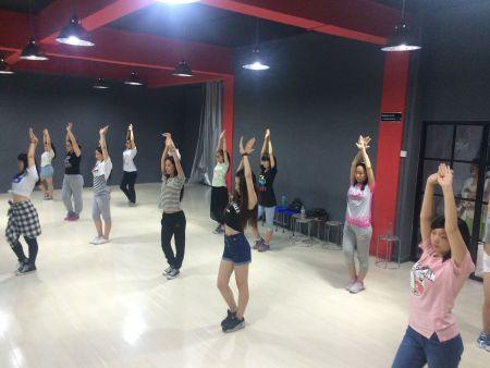 学习爵士舞舞蹈要求了解要点快来戳我!——泰安ps街舞