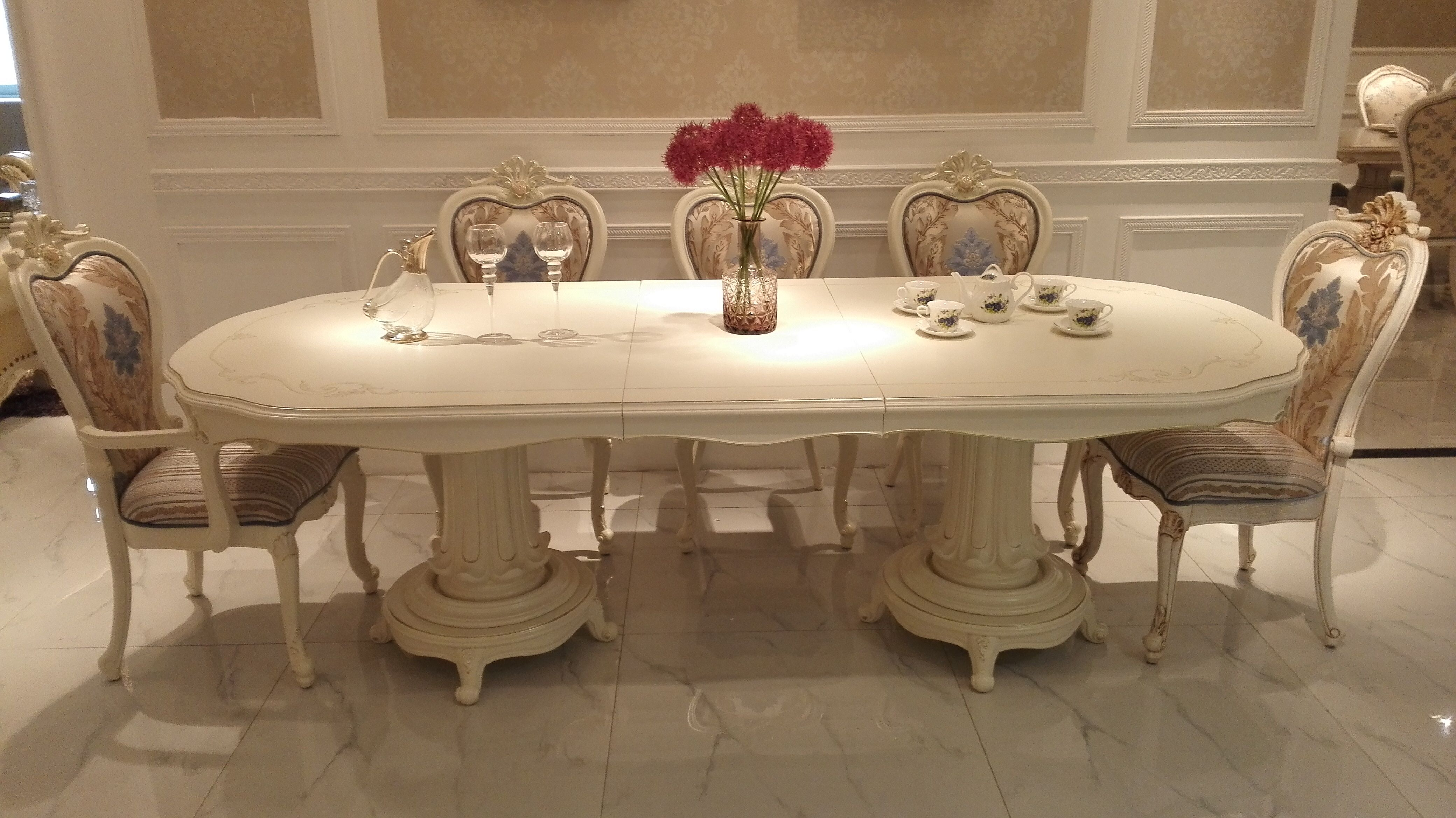 济南餐桌餐椅     济南高档家具     产品介绍 相关推荐欧式餐桌
