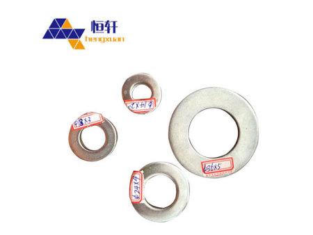 恒轩紧固件厂家提供大量国标螺栓配套垫片弹垫镀锌