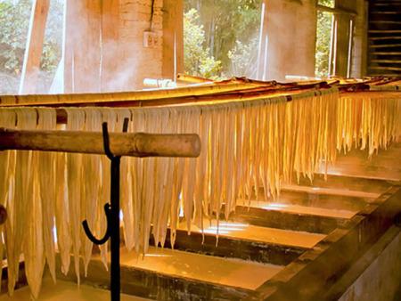 许昌豆宝宝食品有限公司:腐竹的制作流程