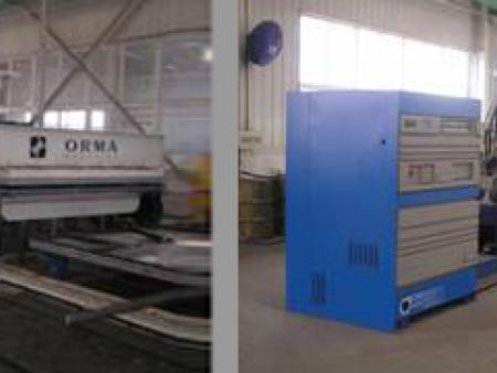 复合厢板热粘合压板机设备