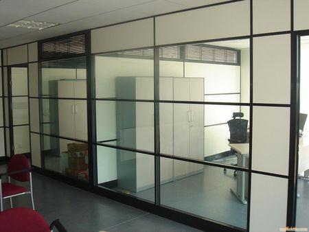 天花板生产线误差小,自动化程度及应用价值高