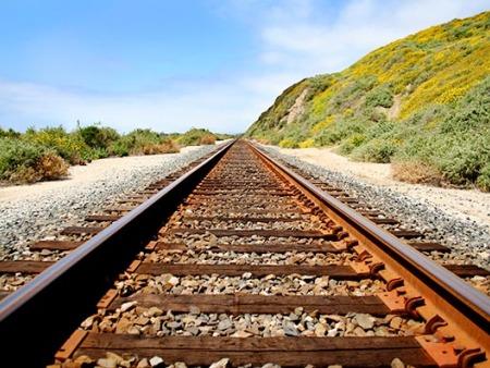 煤矿道岔厂家为你解析铁路线标志所代表的含义