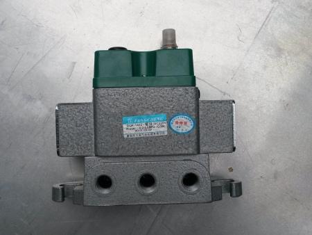 雷竞技电竞电磁阀系列—DQK-1432(管接)AC220V