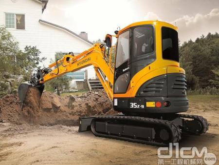再携手 现代重工与凯斯组建小型挖掘机战略联盟