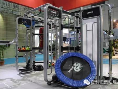 健身练哪部分肌肉会让人变得挺拔?