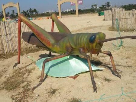 玻璃钢雕塑蟋蟀