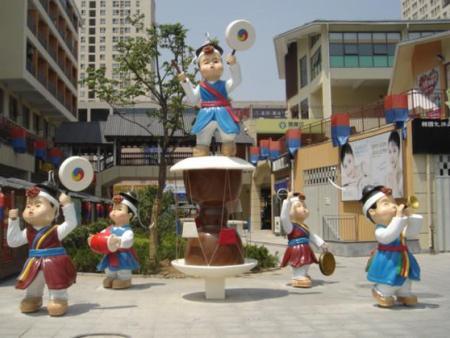 仿真韩国人物雕像