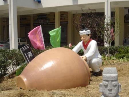 仿真韩国人物雕塑