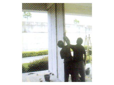 步骤三:拼装墙板