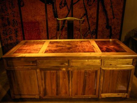 瘿木办公桌