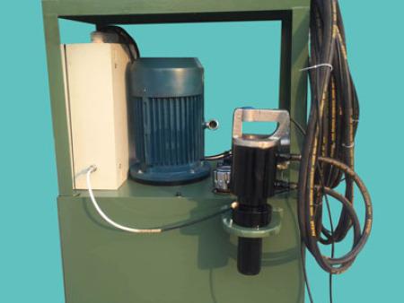 液壓環槽鉚釘機油壓循環係統的工作流程?