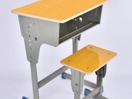 东辉为你分享木质课桌椅的优势和劣势都有哪些?|新闻-郑州东辉家具有限公司