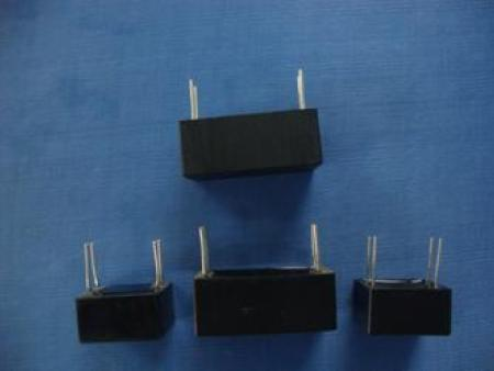 CLN212 型直流链应用电容器(SHB)