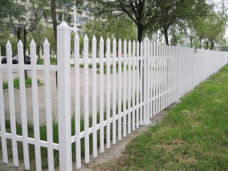 潍坊pvc护栏厂家解析PVC护栏的设计原则是什么?