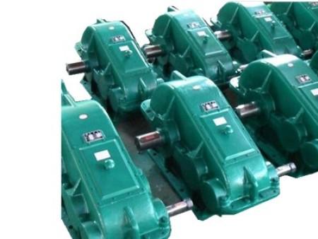 专业的沈阳减速机厂家 8000系列减速机批发 蜗轮蜗杆减速机批发,通用减速机生产厂家介绍通用减速机价格及发展