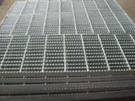 沈阳钢格板制造T4踏步板时的留意事项