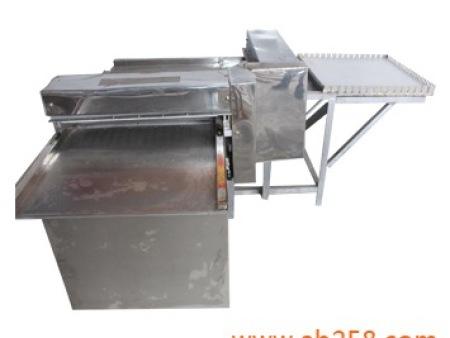 700型花生酥切塊機/花生酥設備/花生糖設備