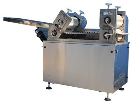 牛轧糖切块机/牛轧糖生产线/花生牛轧糖切块机