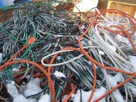 废yzc88亚洲城手机版网页登录夹带废电板 不合格被依法退运