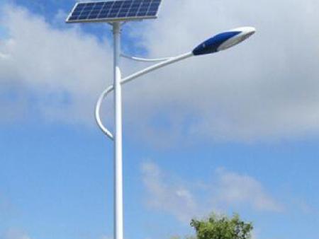 太阳能路灯使用寿命多久时间?