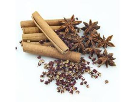 青红花椒加工基地带您详细了解花椒在火锅中的应用