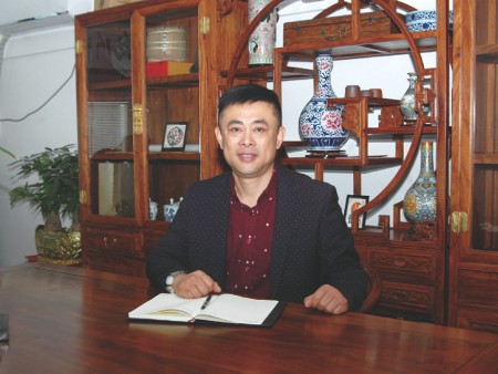 江山——常务副会长兼秘书长