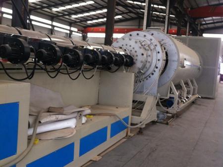 聚乙烯夹克管生产设备