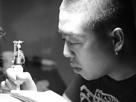 洗纹身是去纹身店还是医院?