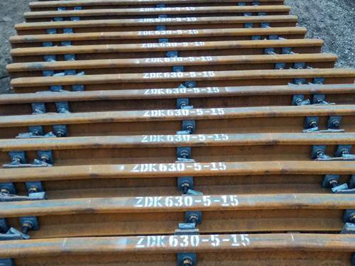 安普工矿正确安装轨道压板的方法
