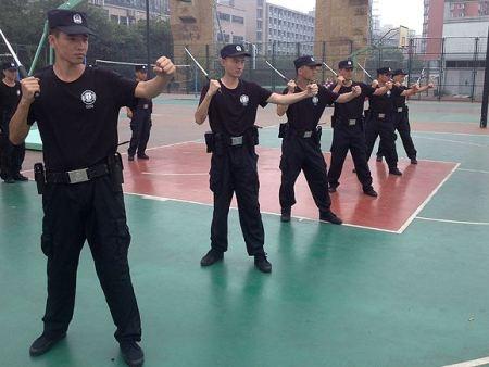 单警装备的补充提高了民警自身防护能力