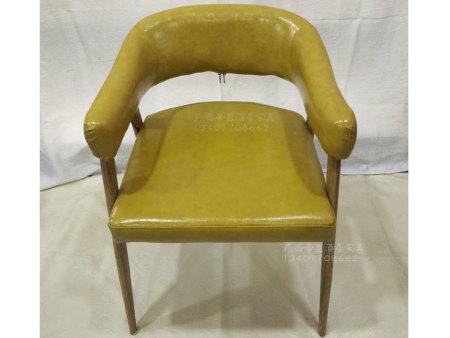 铁艺扶手皮椅