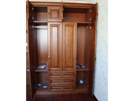 什么原因导致烟台实木衣柜开裂?