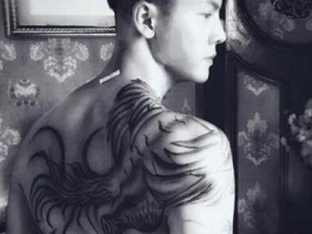 大连纹身讲解《老九门》鸽子血穷奇纹身