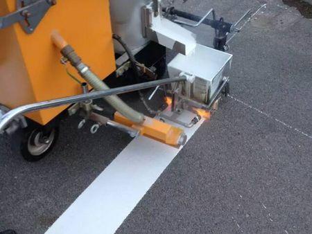 停車位劃線施工