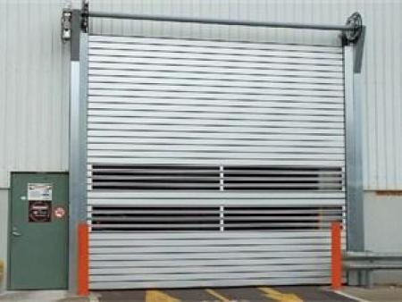 快速卷帘门大轴的安装方法