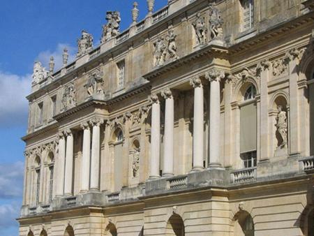卢浮宫、凡尔赛宫 莱姆石造就经典建筑