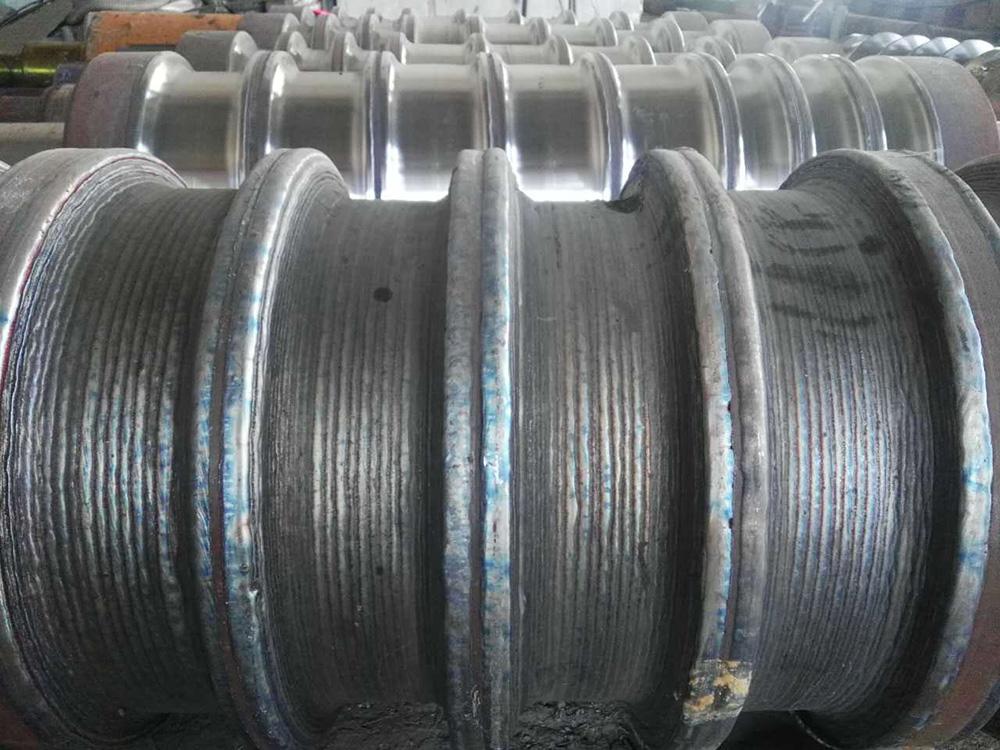 轧辊堆焊修复