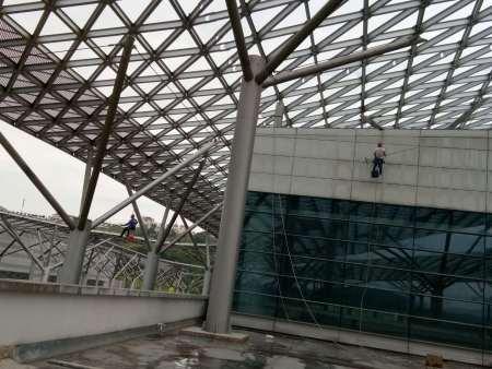 重庆国博中心外墙清洗