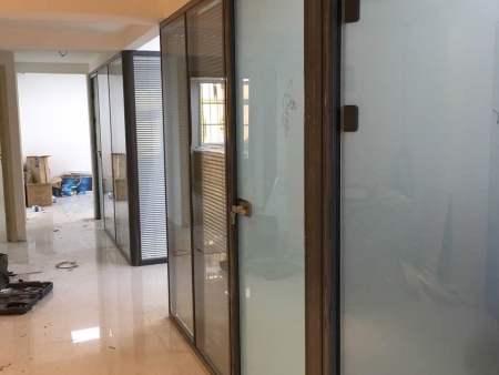 甘肃办公室玻璃隔断装修注意事项